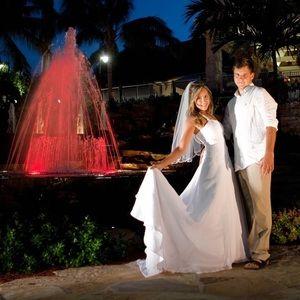 David's Bridal Wedding Dress White Size 4 /Beach
